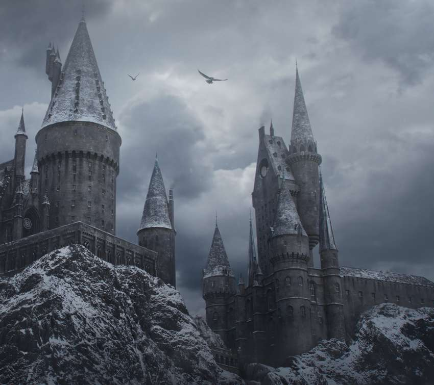 Hogwarts in the Snow Mobile Horizontal wallpaper